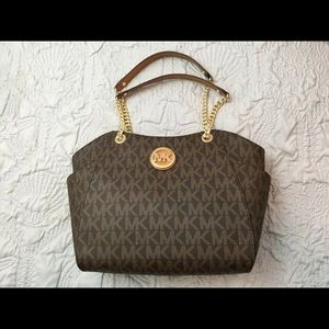 Micheal kors jet purse new with tags